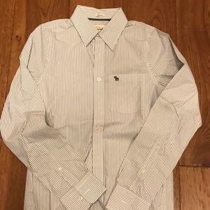 Men's Casual Shirt. NEW!